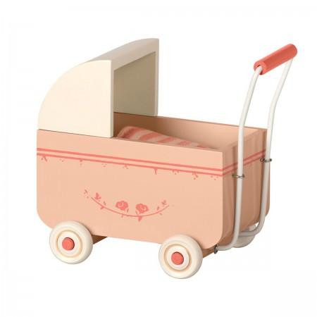 Landeau rose pour bébé souris