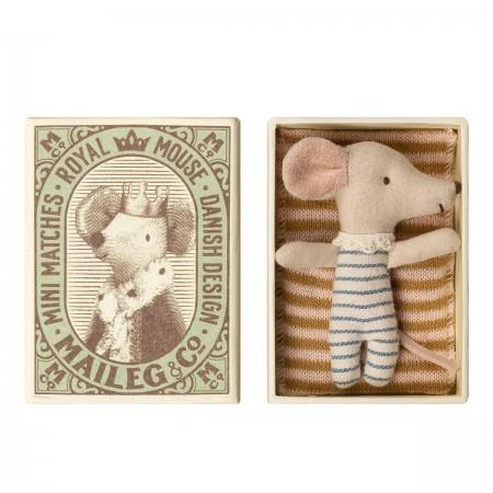 Bébé souris dans a boîte...